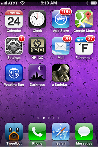 A screenshot of my iPhone's iOS home screen
